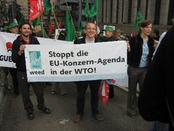 Pressemitteilung und erste Analyse der Abschlusserklärung von Hongkong: WTO-Zug kriecht langsam - aber: Weichenstellung in falschen Richtung